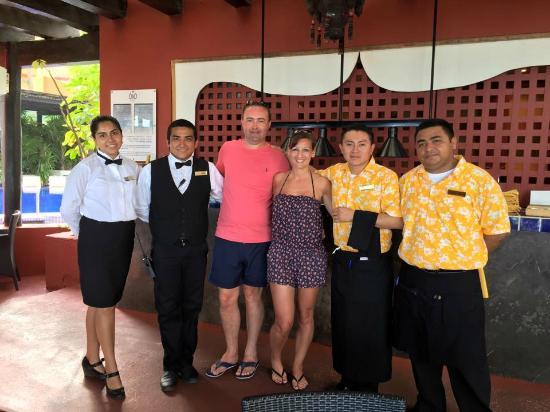 Dreams Sands Cancun Resort Spa Olio Restaurant Amazing Staff And Food