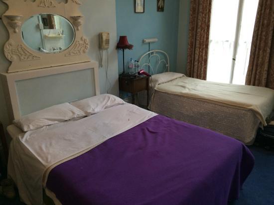 Merlyn Court Hotel: Camera Tripla