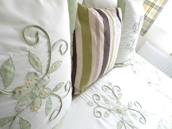 Grosvenor View - Guest House : Guest Room Double En-suite