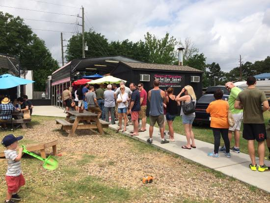 Corkscrew BBQ: The line at opening time