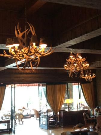 Winter Garden Llao Llao: nos fundos temos o restaurante do Hotel Llau Llau
