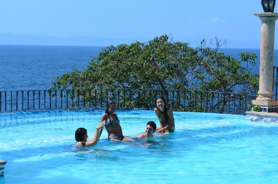 Hotel Yatzil: Alberca con vista infinita al mar