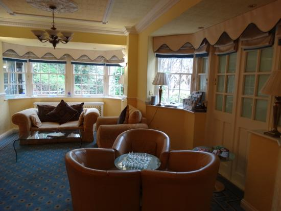 Kingslodge Hotel: The lounge
