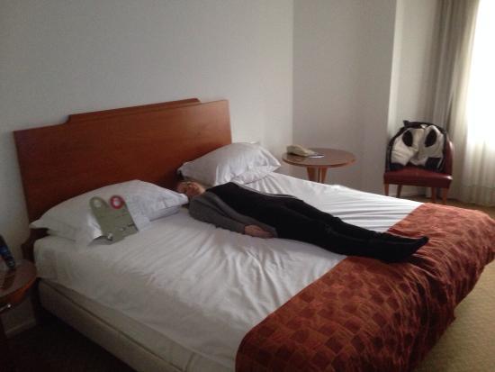 Park Plaza Victoria London: Big comfortable bed!