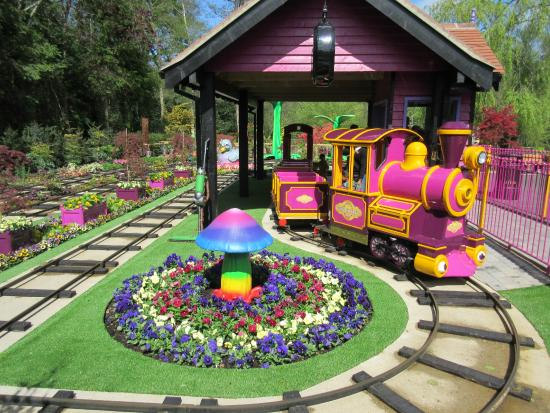 Paultons Park: New Train Ride