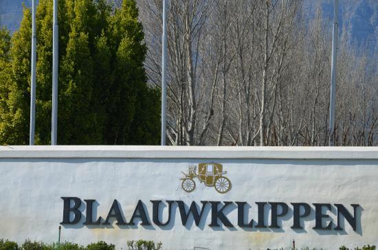 Blaauwklippen: Entrada en la misma carretera hacia Sommerset West