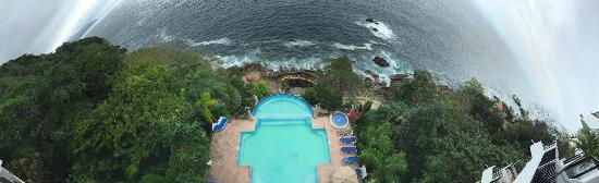 Hotel Yatzil: La vista desde el lobby para alberca y alberca marina