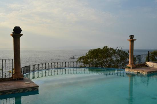 Hotel Yatzil: Alberca vista infiniti al mar.