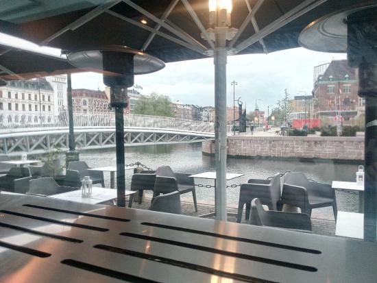 Skeppsbron 2 Bar & Restaurang: view