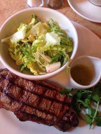 Cafe Rouge Gerrards Cross: Delicious steak, cooked as we requested at Cafe Rouge, Gerrards Cross
