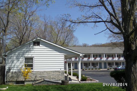 Roosevelt Inn: Motel view #2