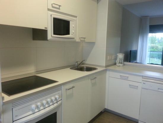 Aparthotel Jardines de Aristi: Cocina