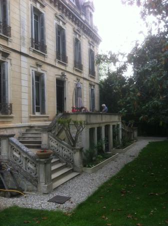 Villa Magnolia Parc: Foto van huis en zicht op tuin