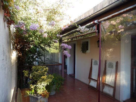 Hotel posada Manuel de lobo: Varanda  e acesso aos quartos