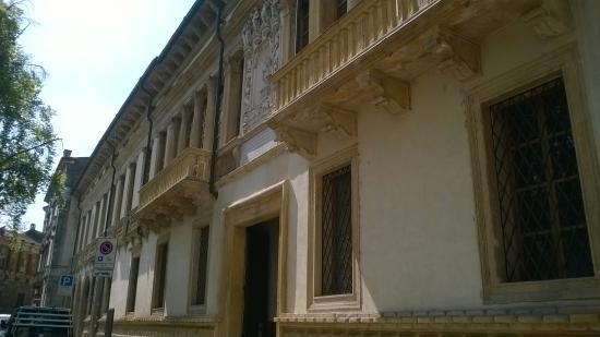 Palazzo Gualdo