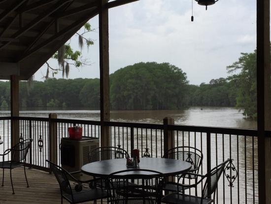 Restaurants Near Riverbend