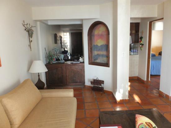 La Concha Beach Resort: Living room in timeshare