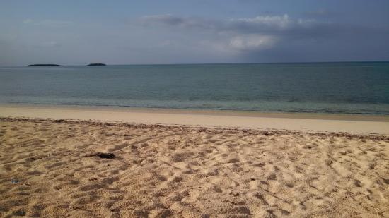 Tranquillity On The Bay Resort: Beach at Tranquility on the Bay