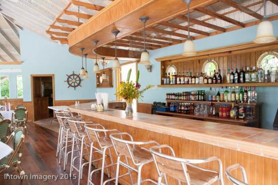 Tropical Lagoon Resort: Bar View