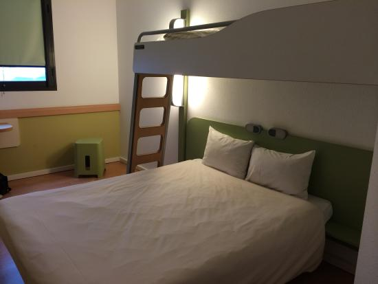 Ibis Girona Costa Brava: Double deck bed