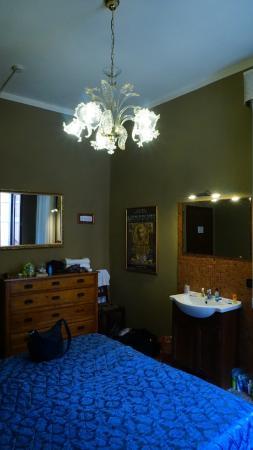 Pensione Guerrato: View of Room 2 from the corner opposite the door.