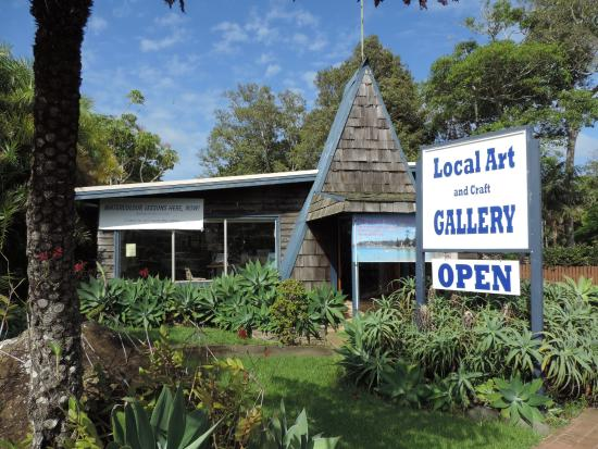 ‪The Local Art Gallery‬
