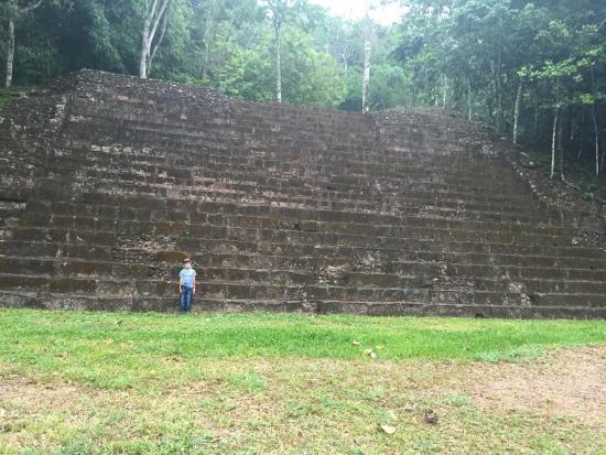 Santa Rosa de Copan, Honduras: Monumento Principal en Río Amarillo, Santa Rita de Copan