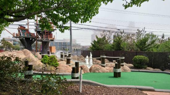 Ember Island Miniature Golf: Nice clean courses