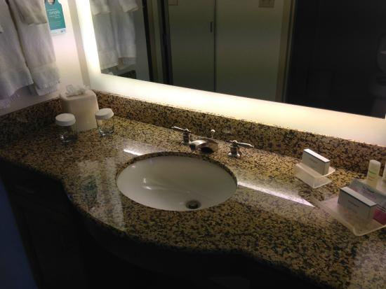 Homewood Suites by Hilton Phoenix North - Happy Valley: Bathroom sink with plenty of counter space (and separate from toilet and shower).