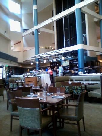 Alexandra's American Fusion: Inside dining