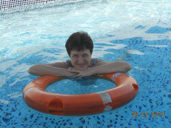 Smana Hotel Al Riqa: бассейн отеля сигнатура инн
