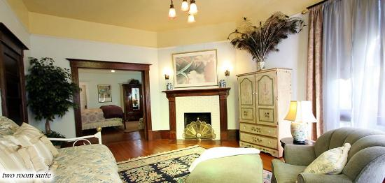 Kelley & Young Wine Garden Inn: Vintage Towers - A Sonoma Wine Country Inn