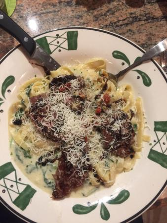 Olive Garden: Steak Gorgonzola Alfredo