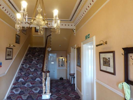 Cressfield Country Hotel: The Front Hall
