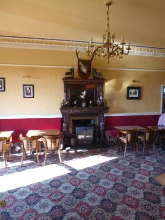 Cressfield Country Hotel: The Bar area