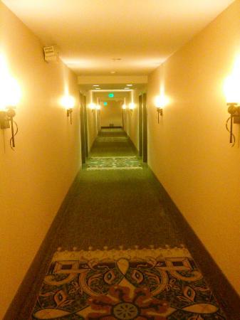 Homewood Suites by Hilton Fresno: Hallway