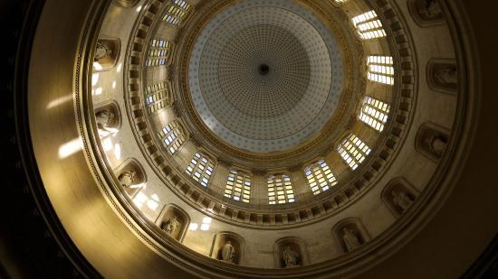 Nôtre Dame de Boulogne : Под куполом. Широкоугольный объектив, аппарат на полу