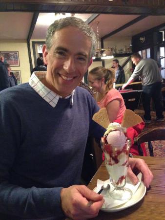 Bugle Inn : Ice cream sundae to die for!