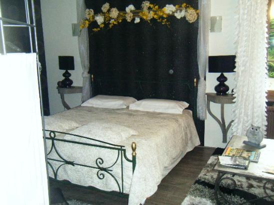 Saone-et-Loire, Francia: Le lit king size super confortable