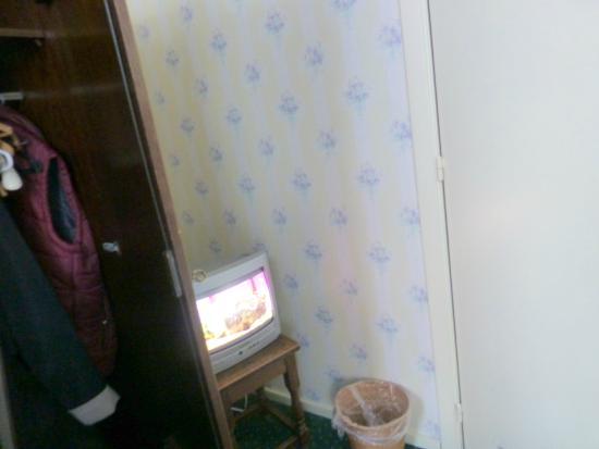 Hotel 't Zand: TV in room