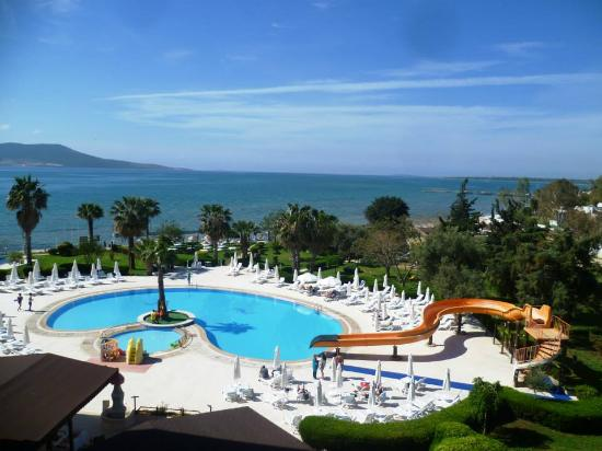 Holiday Resort Hotel: This is the view from our room.