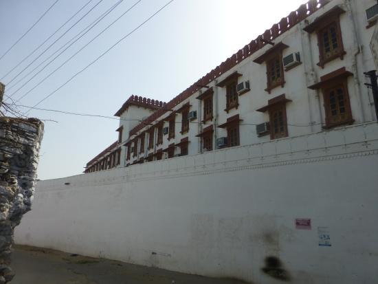 Initial view of Pushkar Palace