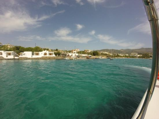 Pelagos Dive Centre: On part du Club
