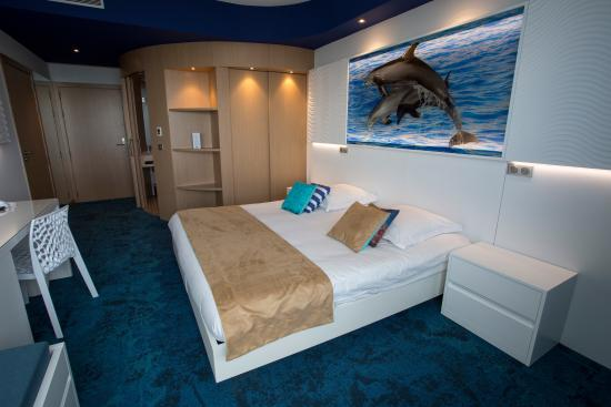 chambre picture of marineland hotel antibes tripadvisor. Black Bedroom Furniture Sets. Home Design Ideas
