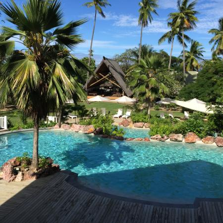 Malolo Island Resort: The view from the breakfast restaurant across the adult pool.