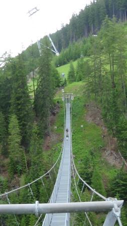 Clubdorf See: hangbrug