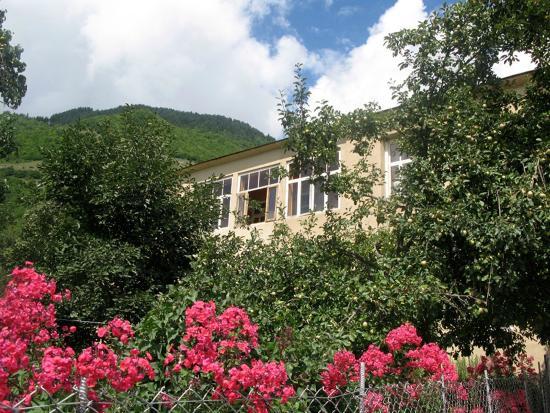 Lenjeri Guest House