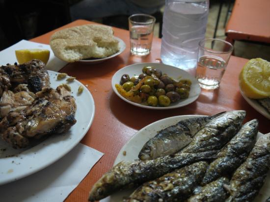 Essaouira Urban Adventures: Eating freshly caught and cooked sardines
