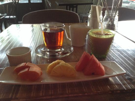 Hotel Cara : Breakfast