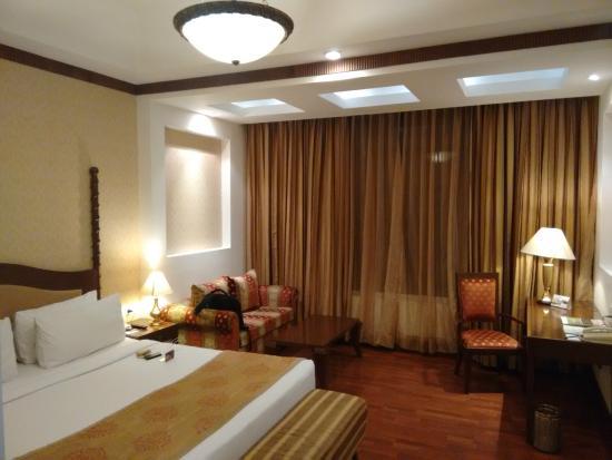 Country Inn & Suites By Carlson Delhi Satbari : br